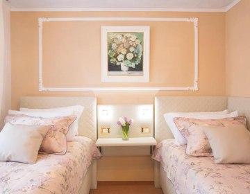 Golden GaPa Central Family Apartment 8