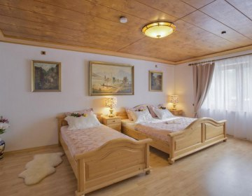 Golden GaPa Large Family Apartment 11