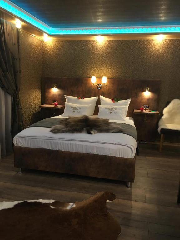 Golden GaPa Central River Luxury Apartment 16