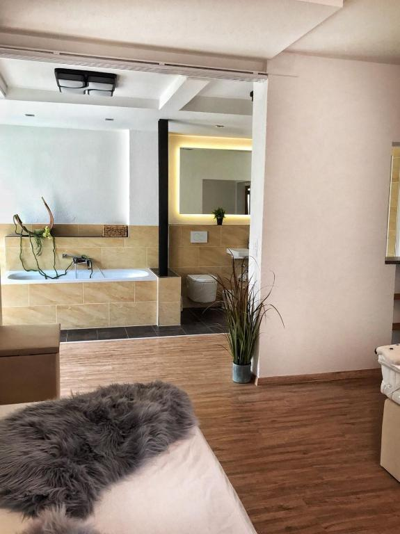 Golden GaPa Central Large Family Apartment 24